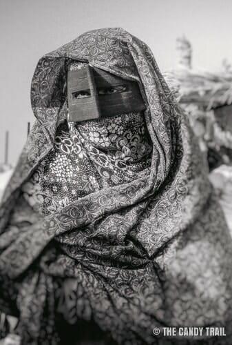 masked-woman-minab-iran