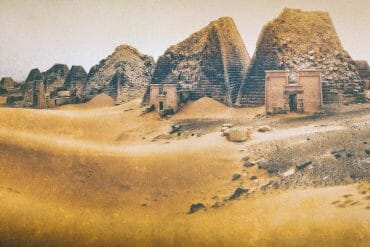 pyramids-of-sudan-in-sand-art-by-michael-robert-powell