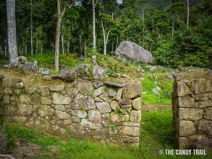 wall-ruins-vilcabamba-trek-peru