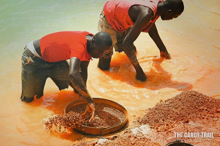 mining diamonds by hand kono sierra leone