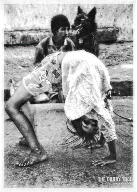 india-street-kids-perform