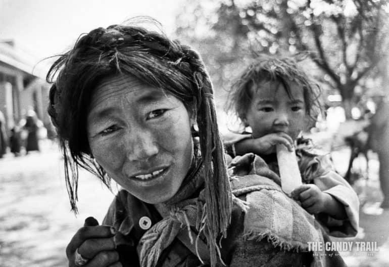 tibetan woman with child portrait